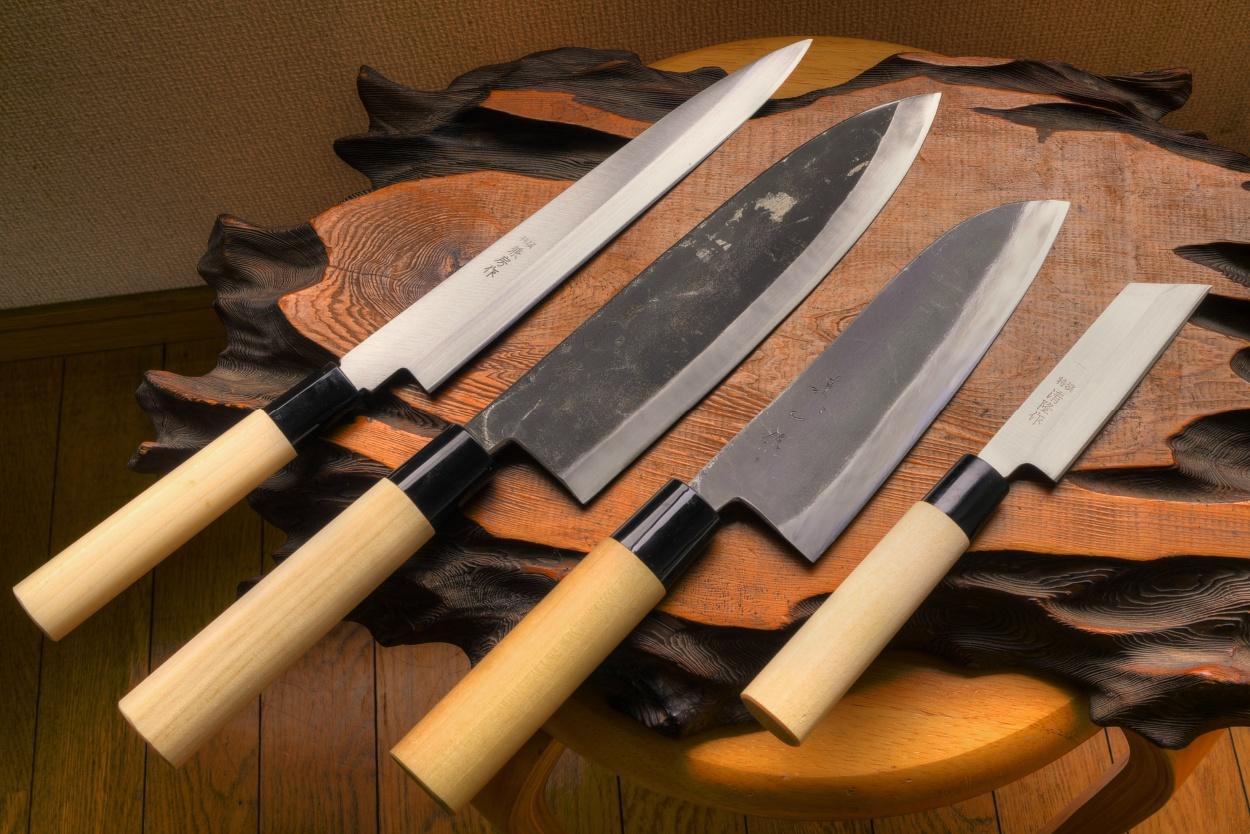 4 KITCHEN KNIFE SET | STANDARD
