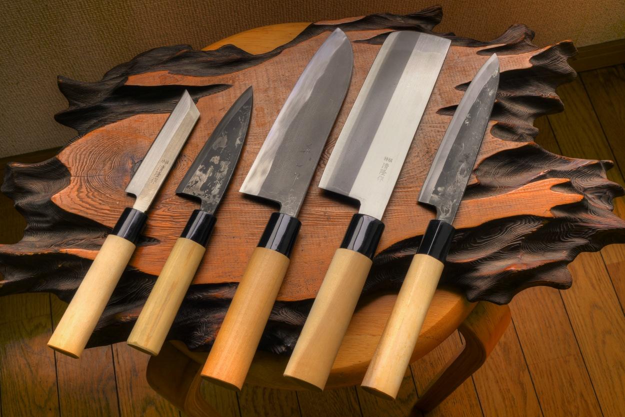 lefted 5 kitchen knife set standard. Black Bedroom Furniture Sets. Home Design Ideas